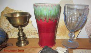 Die Bedeutung und Anwendung magischer, spiritueller Symbole und Gegenstände: Der Kelch