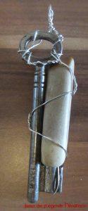 Amulette - Kettenanhänger, Schlüssel und Stein