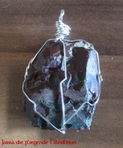 Kette mit Stein