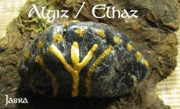 Die Bedeutung und Anwendung magischer, spiritueller Symbole und Gegenstände: Die Runen des 24er Futhark, Algiz - Z  -  Elch, Abwehr, Leben