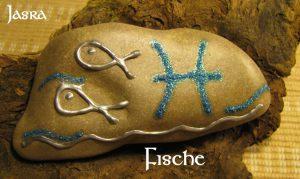 Kraftsteine mit Runen, Sternzeichen, Symbolen